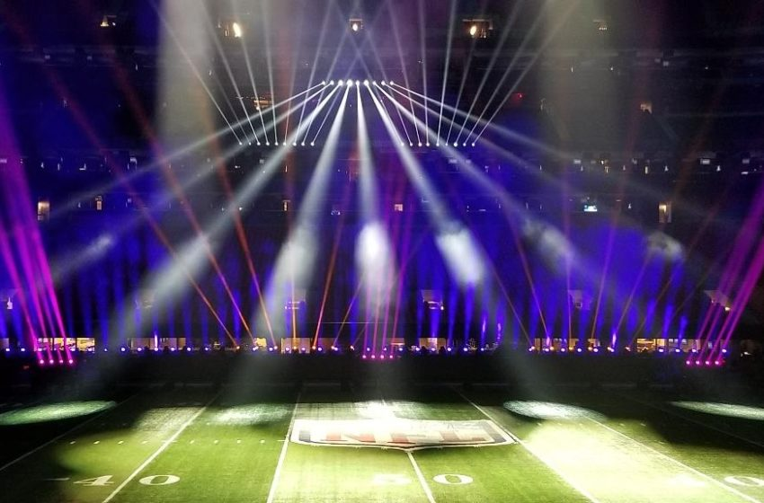 Elation Rayzor 760 ™ met succes op Super Bowl LIII Halftime Show