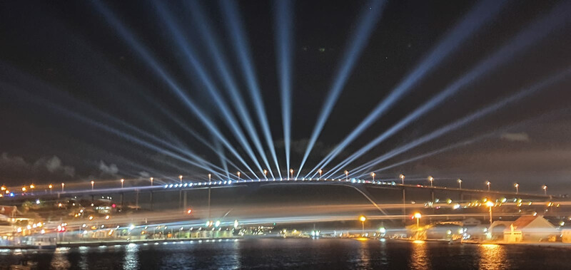 Massive Productions 'Lights The Sky' boven Curaçao met CHAUVET Professional