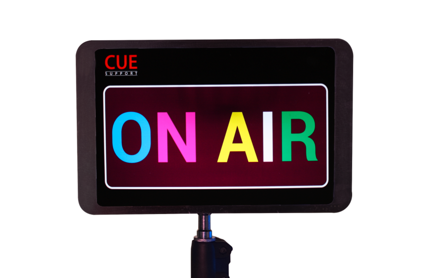 CUE-Support ontwikkelt Mobiel On Air bord