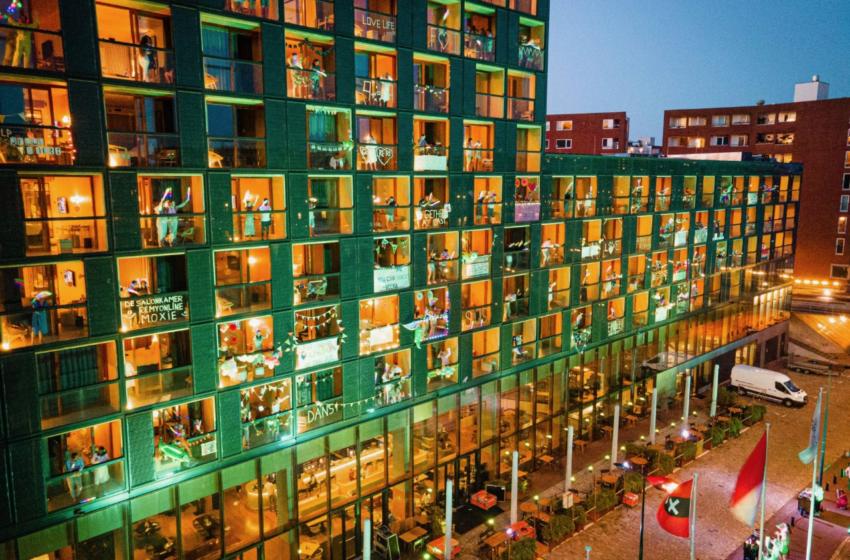 Coronaproof silent disco festival bij Hotel Jakarta in Amsterdam
