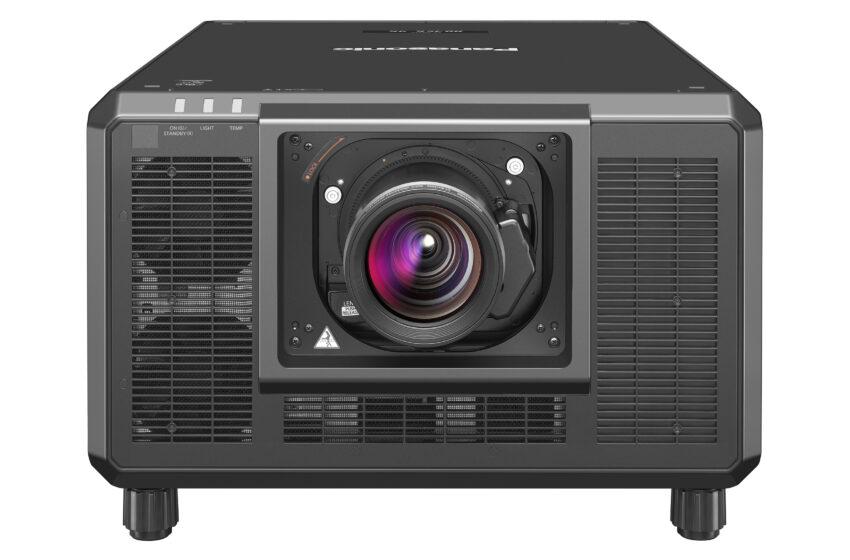 Panasonic definieert nieuwe standaard voor locatiegebonden entertainment met de PT-RQ35K projectorserie