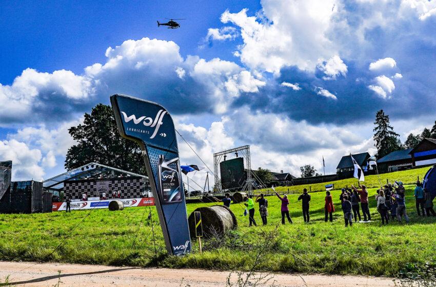Robe rijdt op WRC Rally Estonia