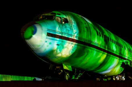 CHAUVET Professional Lights PYTCHAir's Boeing 727