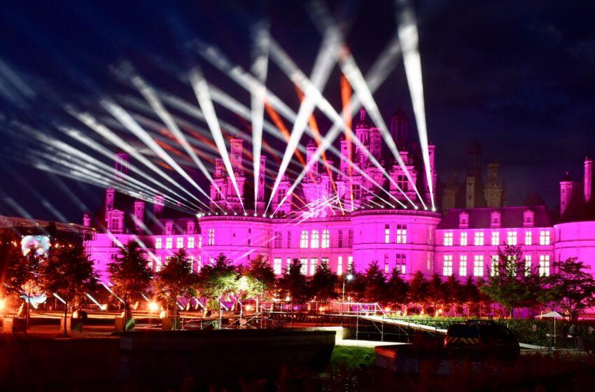 Elation IP verlicht Château de Chambord voor populaire Franse muzikale tv-show